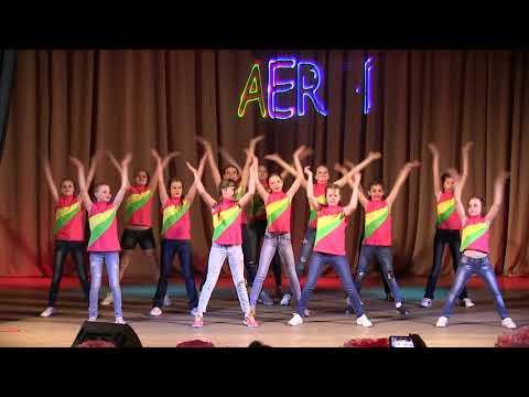 В Наволоках состоялся отчетный концерт «Аэроденс»