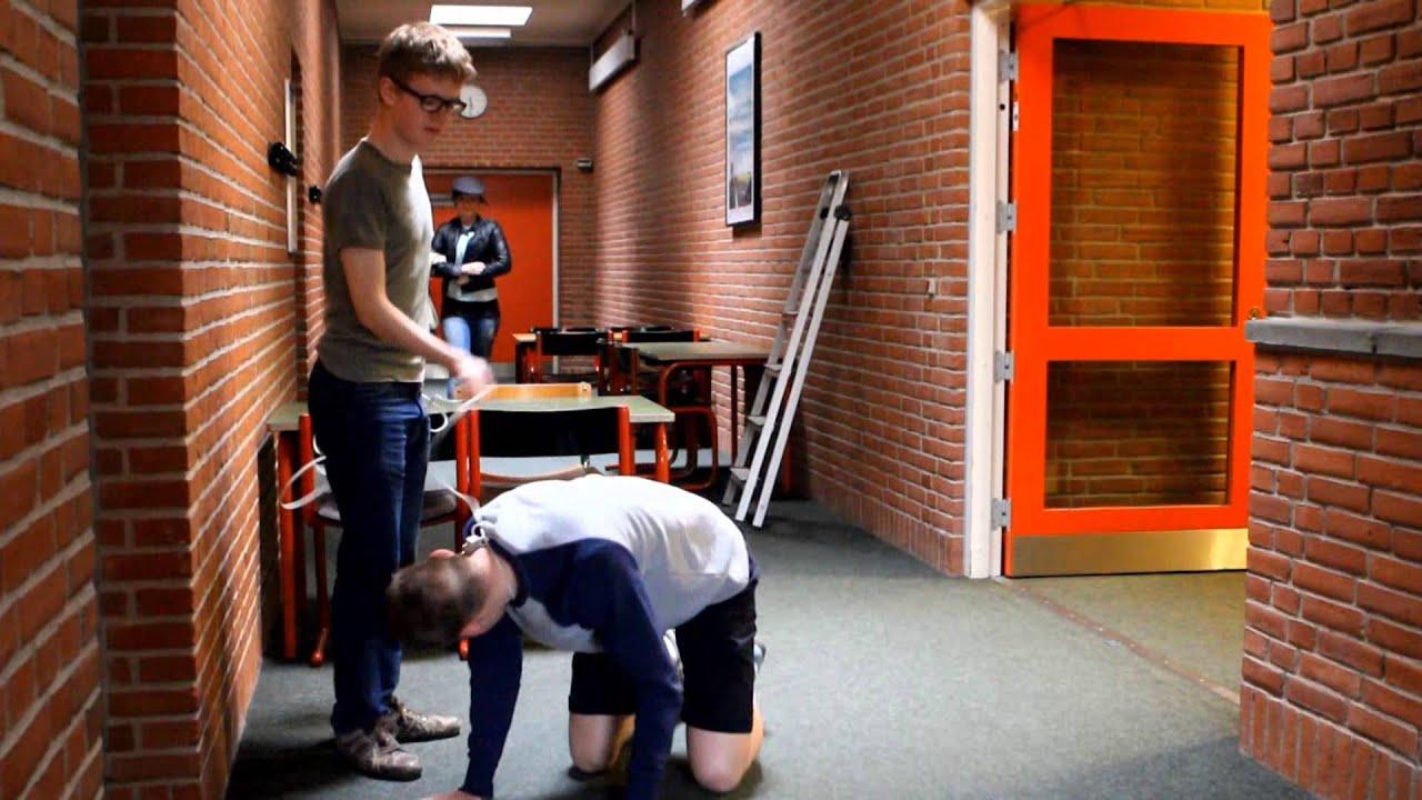 Sidste Skoledag - Brønderslev Gymnasium - Sketch:Tøffelhelt - YouTube