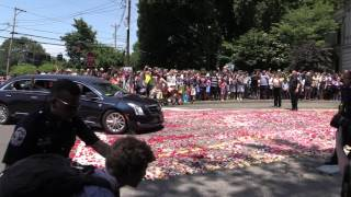 Final resting place - Muhammad Ali funeral procession enters Cave Hill Cemetery