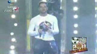Gökhan Özen - Bize Aşk Lazım - Disko Kralı - 22 Kasım 2008