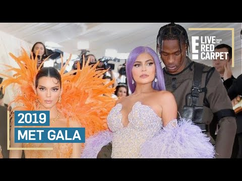 Kendall Jenner Photobombed By Kylie & Travis at 2019 Met Gala | E! Red Carpet & Award Shows