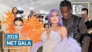 Kendall Jenner Photobombed By Kylie & Travis at 2019 Met Gala | E! Red Carpet & Award Shows Video