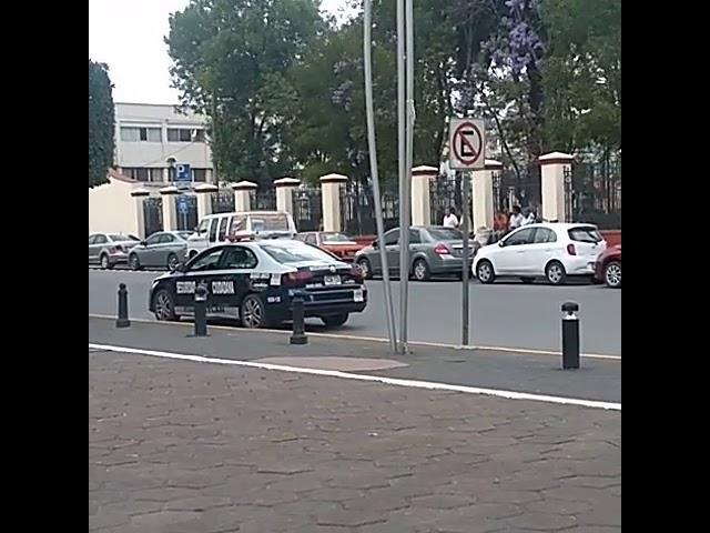 Policía pone ejemplo