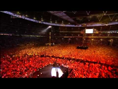 Foo Fighters - Everlong Dave Grohl solo performance at Wembley