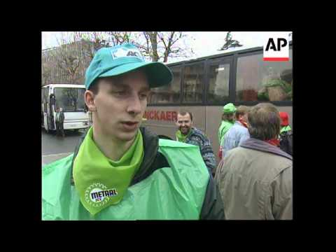 FRANCE: BELGIAN RENAULT CAR WORKERS PROTEST AT PARIS PLANT
