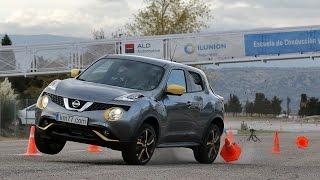 Nissan Juke 2014 - Maniobra de esquiva (moose test) y eslalon | km77.com