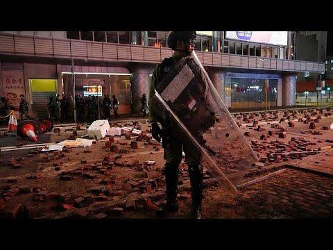Protestos em Hong Kong¨: 400 pessoas detidas
