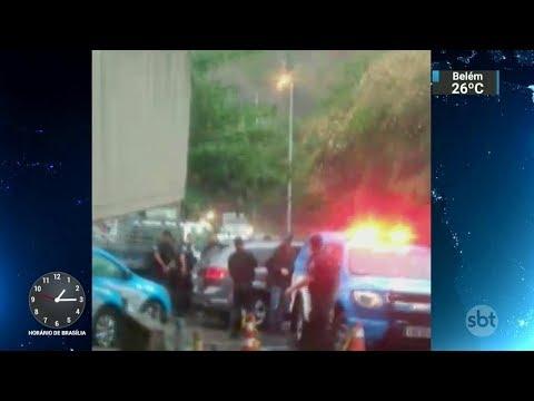 Polícia relata versão diferente sobre morte de turista na Rocinha | SBT Notícias (24/10/17)