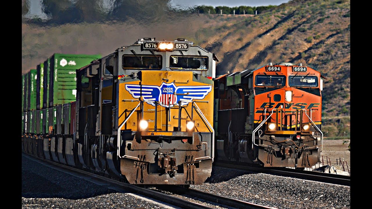 THE ULTIMATE TEHACHAPI - BNSF & UNION PACIFIC FREIGHT TRAINS #2! - YouTube
