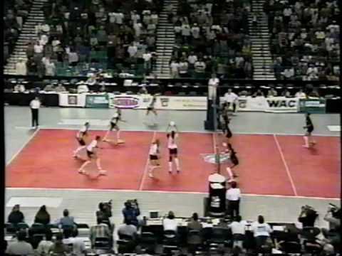 15 Wahine Volleyball g4