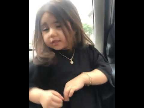 маленькая девочка танцы музыку