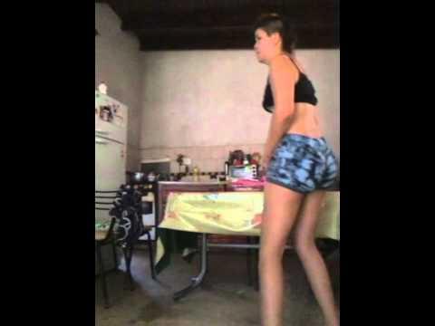 turra bailando sexi