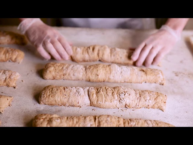 Making baguette in Le Silpo
