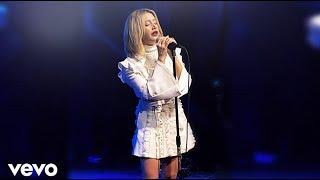 Baixar Ashley Tisdale Performance Live 2018