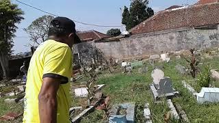Unang Pamungkas Bekerja Seharian Di Pemakaman - Adventure 23 April 2019
