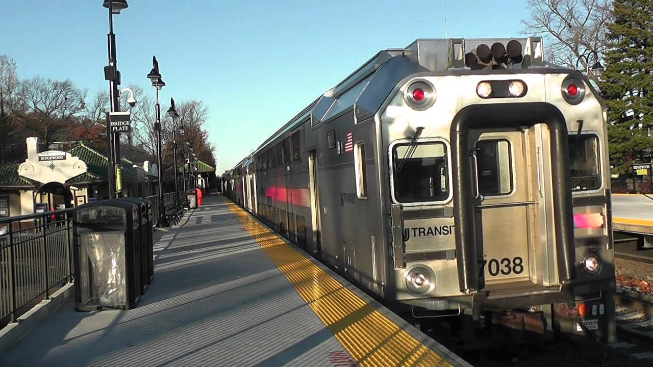 Nj Transit F40ph 4120 Meets Multilevel Cab Car 7038 At