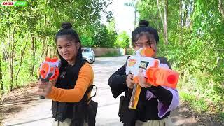 XGirl Nerf War: squad Beautiful Girl use magic water nerf & XGirl Nerf Guns hunter zombies battle