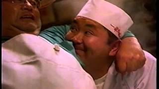 1994年ごろの明星一平ちゃんのCMです。松村邦洋さんが出演されてます。...