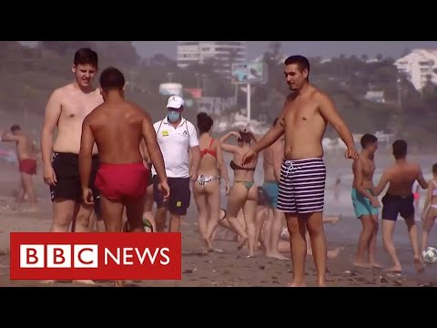 Rush to book summer breaks in Europe after deal to lift travel restrictions - BBC News