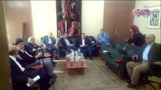 أخبار اليوم | وفد من نقابة الصحفيين بالاسكندرية وكبار شيوخ المهنة لدعم النقيب والمجلس