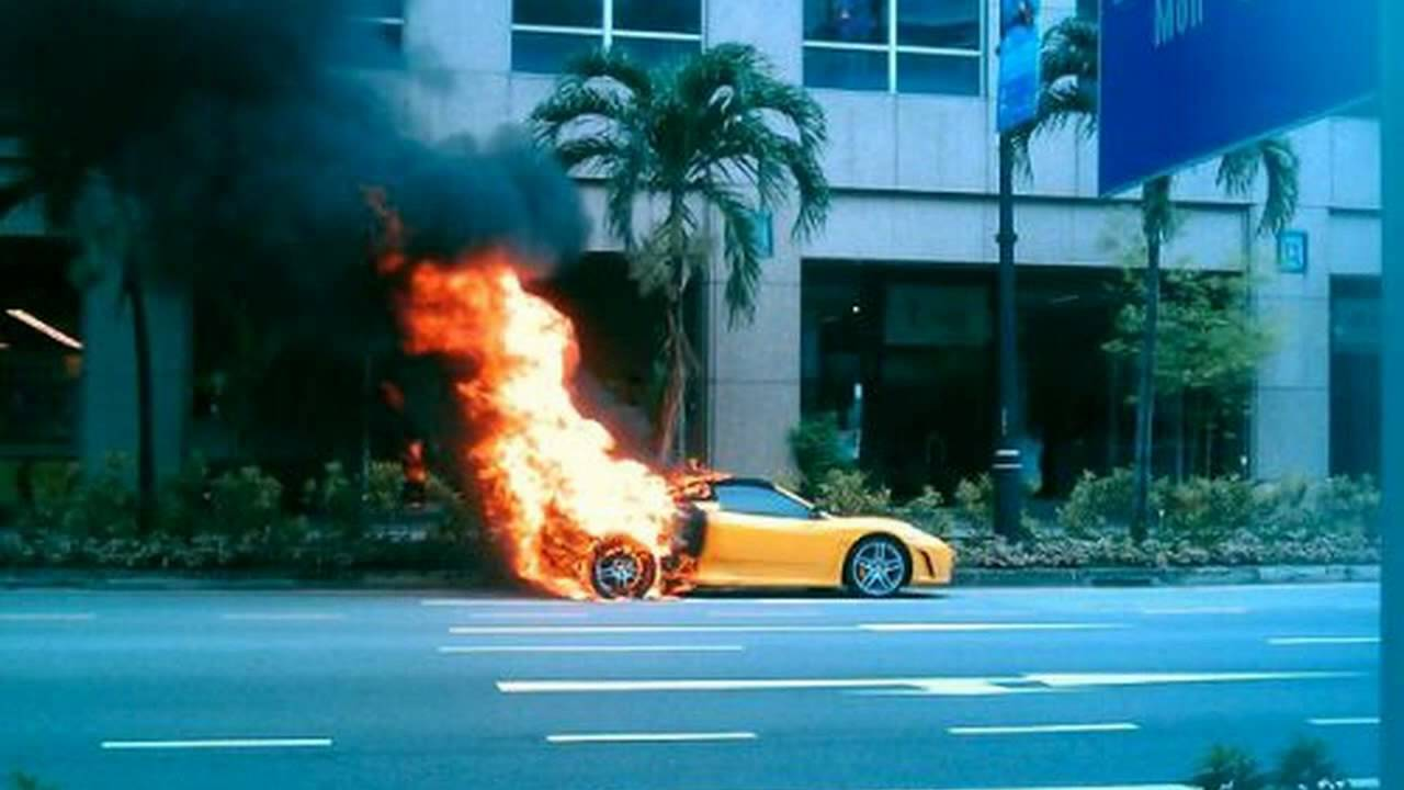 Ferrari F430 Spider Catches On Fire In Singapore (pictures)