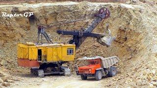 EKG-5 electric shovels load limestone on BELAZ-7522. Погрузка известняка на БелАЗ-7522 ЭКГ-5А