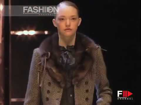 """Valentino"" Fashion Show Pret a Porter Women Autumn Winter 2005 2006 Paris 1 of 4"