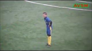 """شاهد بالفيديو.. جزائري ناشئ يسجل هدفا على طريقة """"مارادونا"""""""