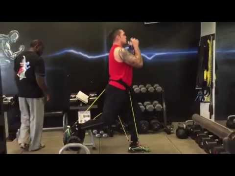 Derek Wolfe Trains with WearBands®