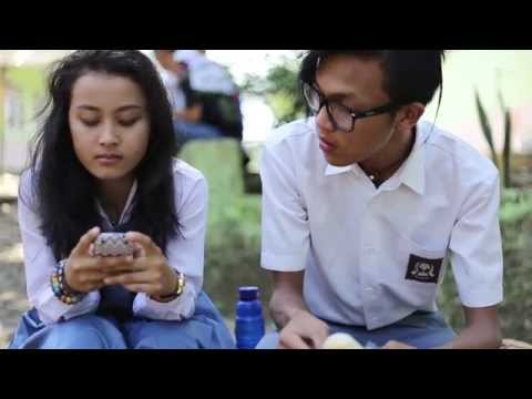 Verry Dhean - Separuh Hati (Official Video)