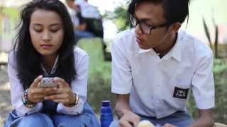 Verry Dhean - Separuh Hati (Official Video) Mp3
