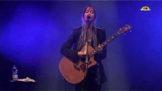 "SUZANNE  VEGA  ""Marlene on the wall""  - Live @WrocLove Fest 2010"