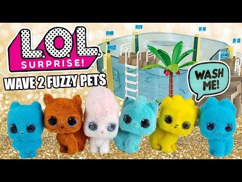 washing-lol-surprise-wave-2-fuzzy-pets-|-l.o.l.-series-5-pets-unboxing-playmobil-aquarium-set