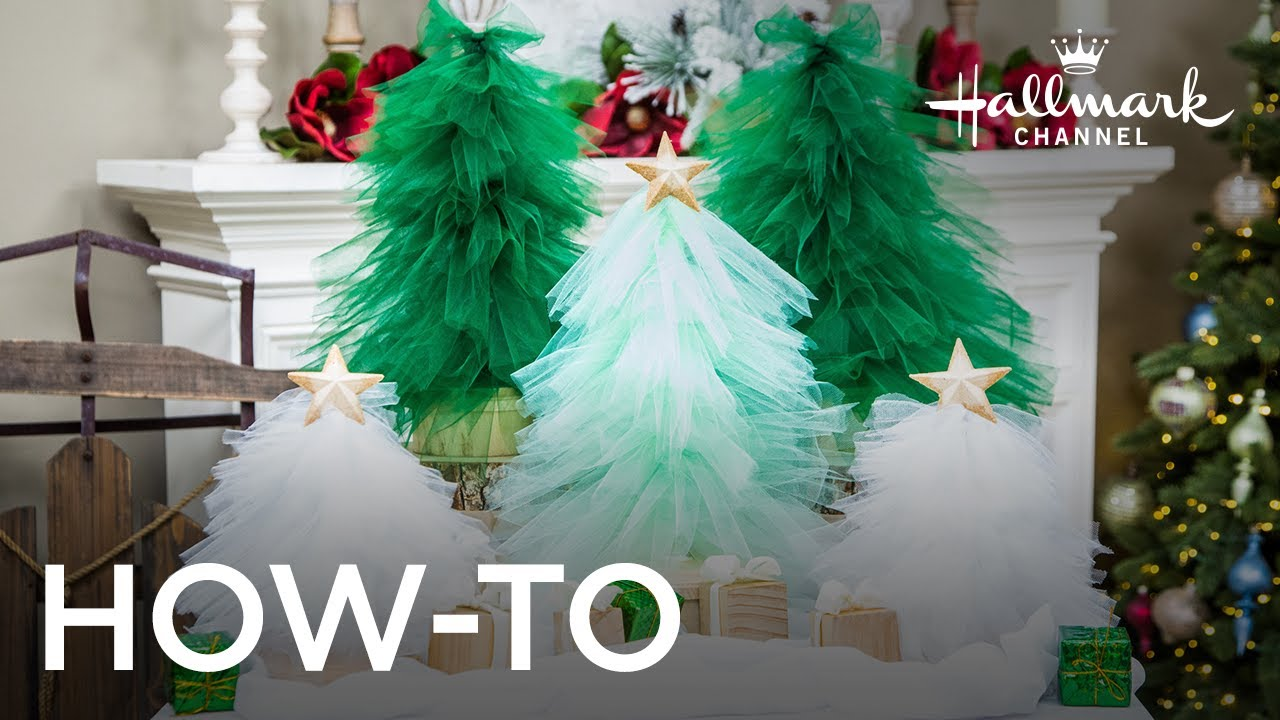 how to decorate a christmas tree with tulle