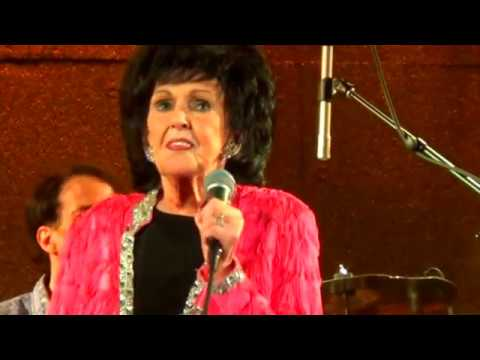 Wanda Jackson 2017 80 years young and still Rock and RollinTnT Band Rocks  Com