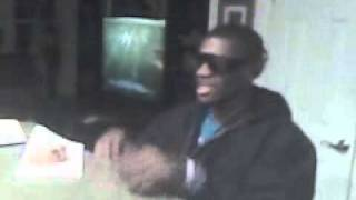 When A Woman Loves R.Kelly (Aaron Singing)