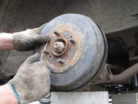 Снятие тормозного барабана. Nissan.
