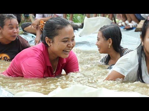 Lucu Lomba 17 Agustus 2016 Ibu Ibu - Lomba Balap Karung Dan Menangkap Ikan Lele