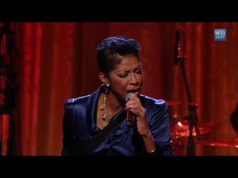 "Natalie Cole Performs ""What"