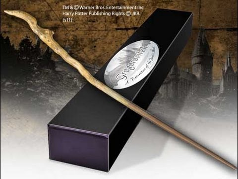 Baguette de gregorovitch boite personnage youtube for Dumbledore wooden wand