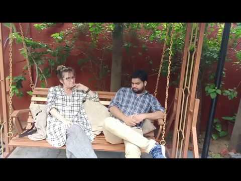 Indian Lingua student charllotte talking in Hindi with Mukesh