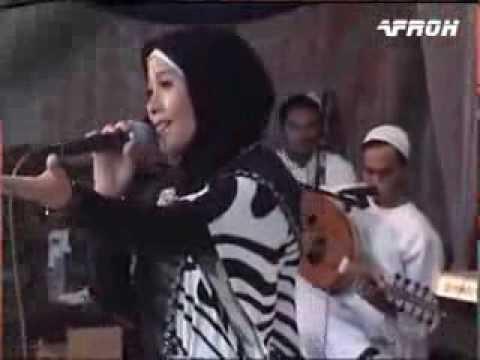Wafiq Azizah - Robbi Live