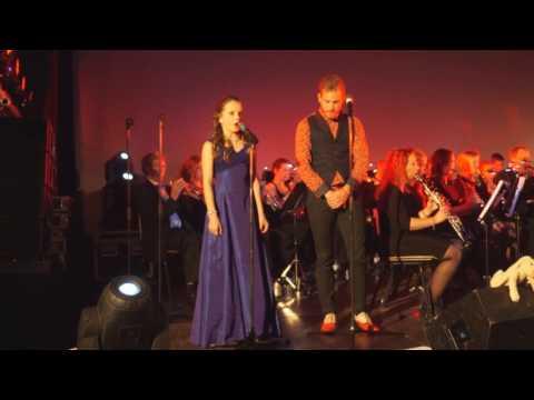 Amira Willighagen en Tim Akkerman - Barcelona - Concert for Charity Ronald McDonald Huis Arnhem