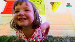 Gyerek házikó Barátok Smoby előkerttel és UV szűrő