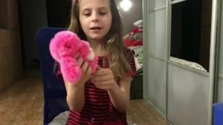 Обзор моих новых игрушек||книжка||раскраски(Канал моей сестрёнки Сони--https://youtube.com/channel/UCv6Vq-cMy1v-HPYU_2iqHGw На видео я заикалась немножечко,потому что я очень..., 2017-01-31T18:34:42.000Z)