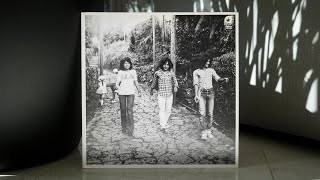 Dreamy psych folk out of Okinawa. Released in Japan as a private pr...