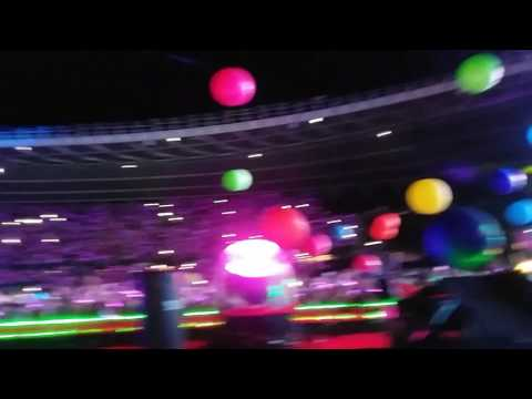Coldplay - Adventure Of A Lifetime ( Vienna concert 2017 )
