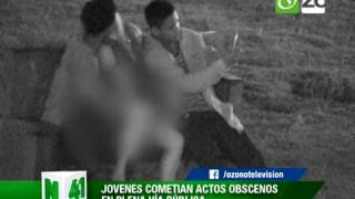 Repeat youtube video CÁMARAS CAPTAN JÓVENES REALIZANDO ACTOS OBSCENOS EN PLENA VÍA PÚBLICA