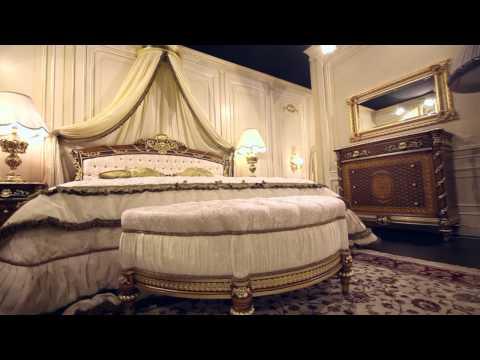 Classic bedroom in walnut Louis XVI Noce e Intarsi: the luxury meets the night area