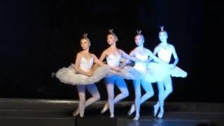 """Танец маленьких лебедей из балета """"Лебединое озеро"""" Петра Чайковского"""